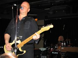 Frank Black with Billy Block looking on